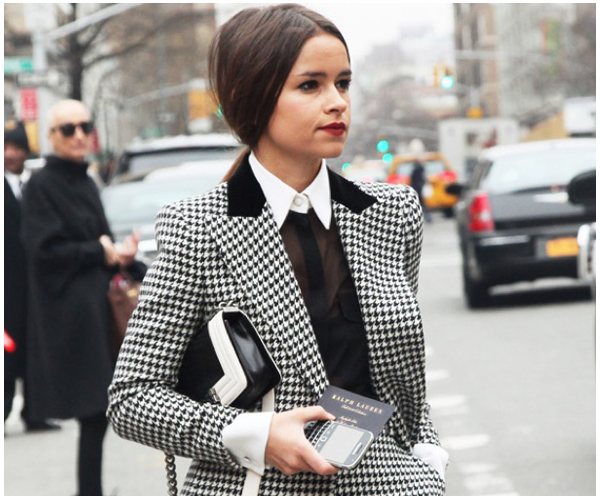 1-GRAPHIC-BLACK-AND-WHITE-PRINTS-GRAZIA-FASHION-WEEK-STREET-STYLE-NEW-YORK-MIROSLAVA-DUMA-HOUNDSTOOTH-JACKET-SKIRT-HIGH-COLLAR